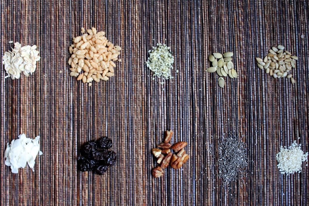 The Kitchen Beet - Seedy Granola Bar Ingredients