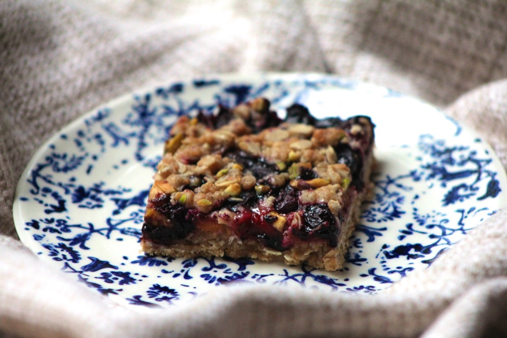 The Kitchen Beet - Peach-Blueberry Bar