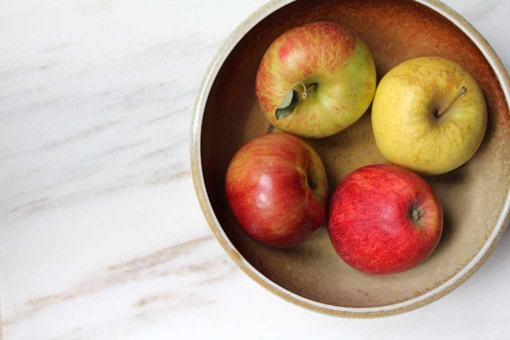 Rose, Penelope - Darling - Autumn Recipe roundup - 4 apples in bowl.jpg